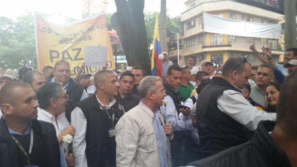 Uribe marchó en Medellín